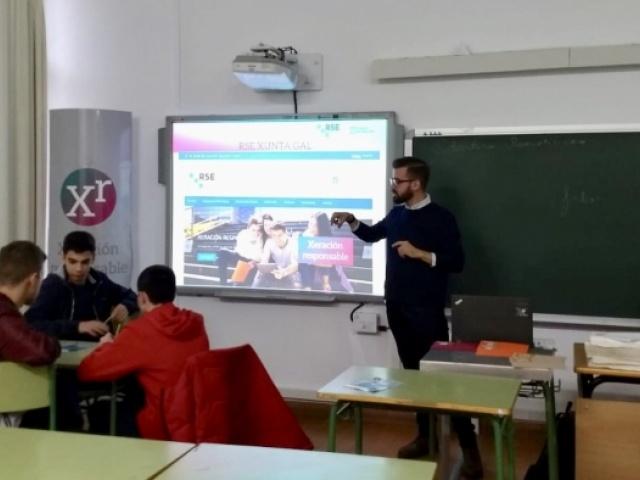 A Xunta de Galicia leva a RSE ás aulas de Ourense