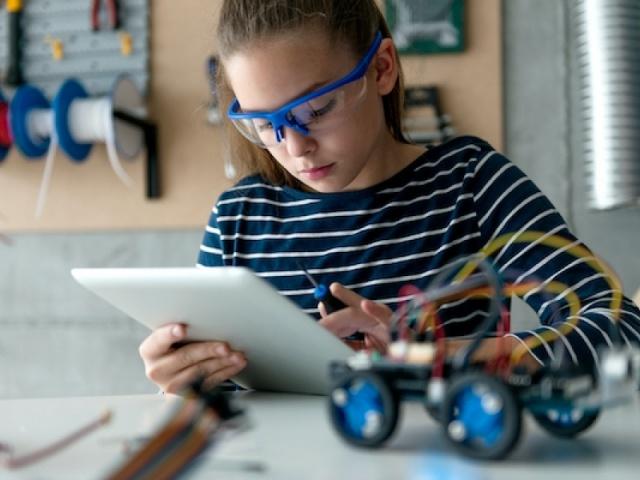 Máis talento feminino no ámbito científico e tecnolóxico: unha necesidade real e urxente