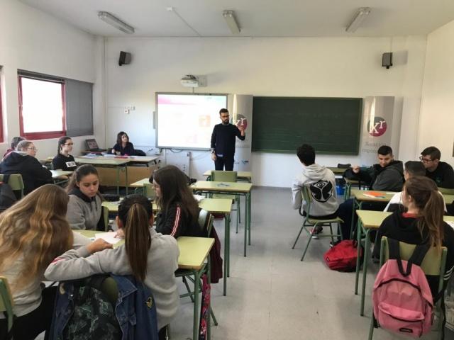 O alumnado de Viveiro e Lugo reflexionou sobre RSE e os ODS (Fotografías da xornada)